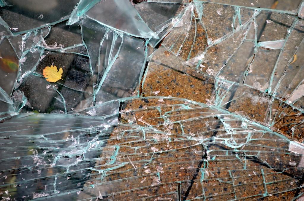 crack_glass